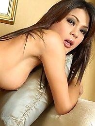 Thailand Ladyboy Hottie Annie