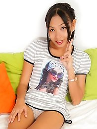 Benz is a cute and sexy 18 year old from Issan who works in Cascade Bar.