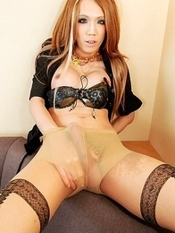 20-year old Shion Suzuhara makes a welcome return after exploding onto our screens earlier this month in that explosive hardcore set.