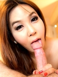 Adorable Icecy is creampied in bed wearing cute lingerie!