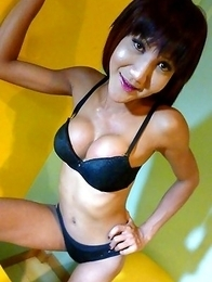 Candids of lanky Nutty dancing and dangling her big Thai cumstick