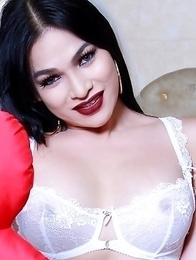 Sexy TS Filipina Hot Valentines Chick