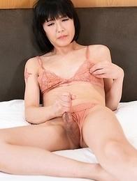 Yoko Masturbation and Squirt