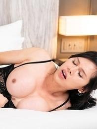 Busty Ladyboy Mimi Bareback Anal Sex
